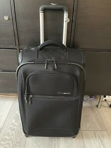 LIGHTWEIGHT BLACK PULL ALONG SUITCASE HAND LUGGAGE DELSEY