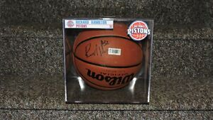 NBA Richard Rip Hamilton Pistons Autographed Signed Wilson Basketball Case