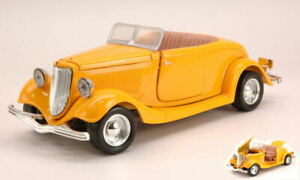 Model Car Scale 1:24 Ford Coupe Convertible vehicles road diecast