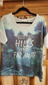 Nice  ESPRIT ladies grey tshirt with picture front (size small)
