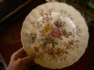 "Johnson Bro Sheraton Dinner Plate Floral Flowers 10"" China Dinnerware Chipped"