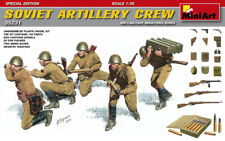 Miniart 1:35 Soviet Artillery Crew WWII Figures Model Kit
