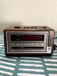 vintage ge alarm clock radio Model No 7-4601A  Work Great