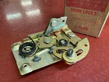 1963 FORD FAIRLANE 1966 FORD BRONCO RIGHT HAND DOOR LATCH NOS C2OZ-6221812-B