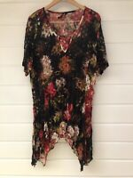 TAKING SHAPE Womens Plus Size Black Red Abstract Sheer Short Sleeve Top - M/18