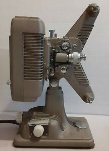 Revere Camera Company Projector Model P-90 900 W/105-120 V A.C.-D.C. Used