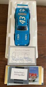 NEW Richard Petty 1970 #43 Plymouth Roadrunner Superbird Franklin Mint 1:24 RARE