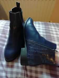 Ladies Navy Ankle Boots Size 9eee