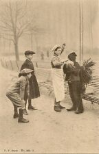 CARTE POSTALE FANTAISIE ENFANTS DEGUISES COSTUMES V.P PARIS No 985-5