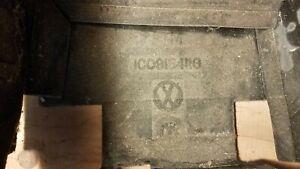 VW 98-05 VOLKSWAGEN Beetle 2.0L-L4  - Battery Cover 1C0915411G