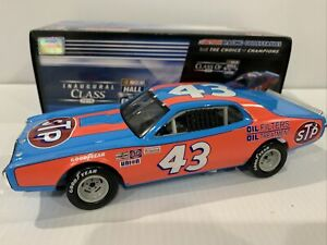 Richard Petty 1974 Dodge Charger STP Hall Of Fame  1/24  historical