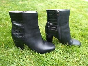 Clarks Black Gabriel Moon Boots UK Size 7 Leather Heel Zip