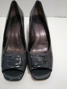 Tahari Heel Peep Toe Bernie Gray buckle size 8 square toe shoe
