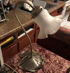 Vintage Bronze Tone Metal Lamp Lilly Pad Leaf Flower Shade Stem Interpur Figural