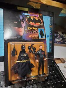 1990 Kenner Bruce Wayne Batman Action Figure Quick Change Suit  Dark Knight sutt