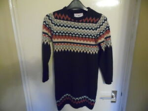Girls long, crew neck, long sleeve, jumper size 10-11 years 146cms