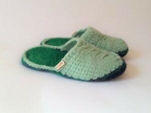 100% Wool slippers women *  Handmade Slippers * Crochet house shoes
