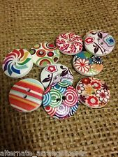 Retro Round Buttons. 18mm. 10 Pack. Wooden. Patterned. Button Bouquet.