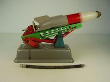 Seltene PRESU Rakete mit Abschussrampe aus DDR Zeit
