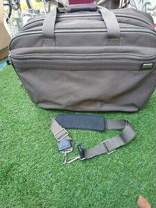 """American Tourister CANVAS 15"""" COMPUTER LAPTOP BRIEFCASE BAG -- GREAT CONDITION!!"""