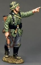 KING & COUNTRY WW2 GERMAN ARMY WS208 SOLDIER POINTING MIB