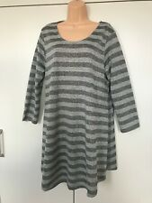 Women's yours clothing plus size grey metallic stripe tunic top   size 16.  NEW