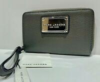 Marc Jacobs Classic Leather Wristlet Zip Wallet Faded Aluminum New