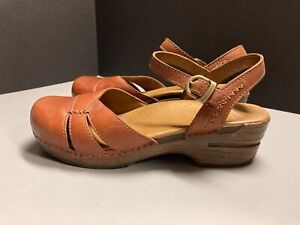 Dankso brown leather Mary Jane clogs size 41