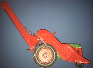 Tru Scale Corn Picker and Oliver Tractor damaged