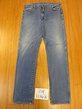 Wrangler jean hole on back pocket tag unclear Meas 37x37 zip11162