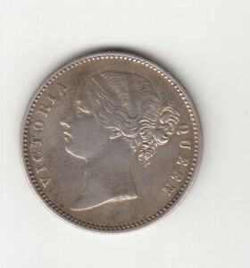 1840 BRITISH INDIA QUEEN VICTORIA ONE RUPEE SILVER COIN.