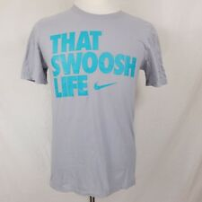 Mens Nike THAT SWOOSH LIFE T-shirt Size Small The Nike Tee Athletic Cut Gray S/S