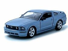 MAISTO 1:24 2006 FORD MUSTANG GT DIE-CAST BLUE 31997