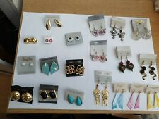 Ladies Earrings. 20 Ass. Earings.10 Studs.10 Hangings Ass. Colors.Fast Delivery.