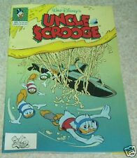 Walt Disney's Uncle Scrooge 256 NM- (9.2) The Status Seeker!