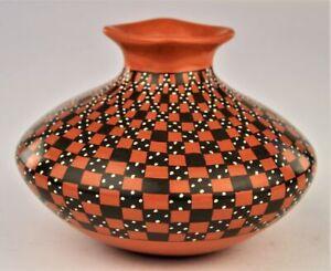 Mata Ortiz Pottery Yoly Ledezma Brown Clay Cuadricula Squares Mexican Fine Art