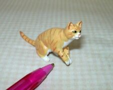 """Miniature Sitting Orange Cat, Front Paw """"Lifted"""", Smooth Fur: Dollhouse 1:12"""