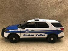 1/18 SCALE BOSTON MA POLICE FD SUV MODEL WITH WORKING LIGHTS AND SIREN