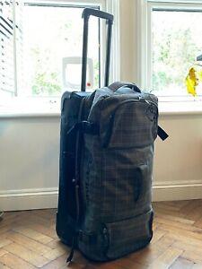 Dakine Split Roller 85 Litre Large Luggage Suitcase - Blue Check
