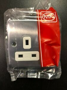 MK Albany Plus K2958 MCO 13A 1G Double Pole Switched Socket