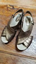 Earthies Sonoma Bronze Leather Sandals size 7 1/2B womens