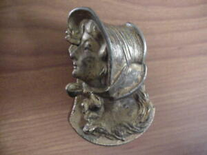 CAST IRON JUDD 5241 PRETTY LADY w BONNET & RIBBON LETTER PAPER DESK CLIP CLAMP