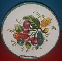 Piatto  frutti ciliegie decorativo  ceramica di Caltagirone a muro vintage