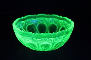 Vintage Citrine URANIUM GLASS Bowl