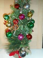 14 VINTAGE PLASTIC MULTI COLOURED DISCO BALL FACETED CHRISTMAS TREE BAUBLES