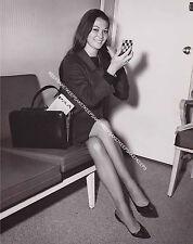 ACTRESS NANCY KWAN BEAUTIFUL LEGS IN A SKIRT LEGGY PHOTO A-NK3