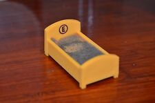 Vintage Fisher Price Little People SESAME STREET Yellow ERNIE BED #938