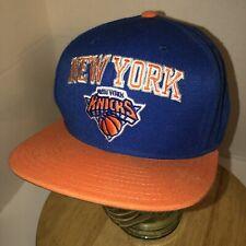 New York Knicks Adidas Mezcla De Lana Sombrero Gorra Gorra de la NBA Azul  Naranja Flat Bill 3c14878d7c9
