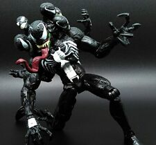"MARVEL/ FIGURA VENOM 20 CM CON ACCESORIOS -COLLECTIBLE FIGURE  8"" NO  BOX"