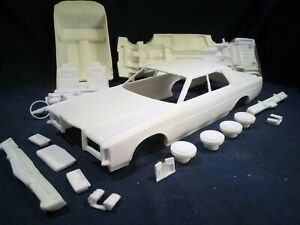 1/25 resin 1975 Ford LTD 4 door kit